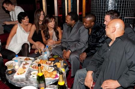 Kris Jenner , Khloe Kardashian and Vanessa Manillo with members